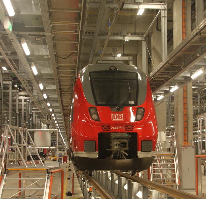 Zugaufnahme in der Fahrzeug Instandhaltungs- und Behandlungsanlage (FIBA) München Pasing mit der ScaleControl-Lichtsteuerung von NORKA Automation